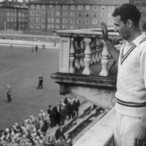 Fazal Mahmood, the first great Pakistani cricketer, saluted The Oval crowd after taking 12 wickets in Pakistan's first ever victory against England in 1954
